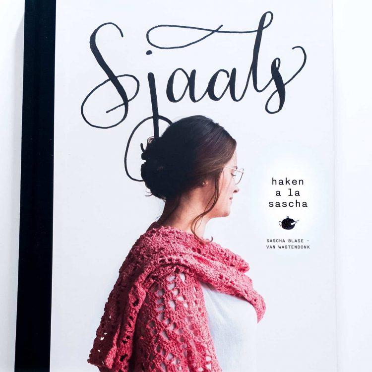 Sjaals haken a la sasha haakboek voorkant