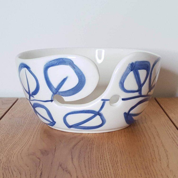Yarn Bowl Delfts Blauw Dikkere streep bladeren