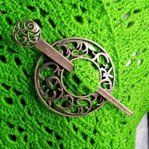 Voorbeeld sjaal speld brons