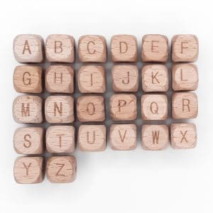 Houten letterkralen vierkant gegraveerd speenkoord met naam