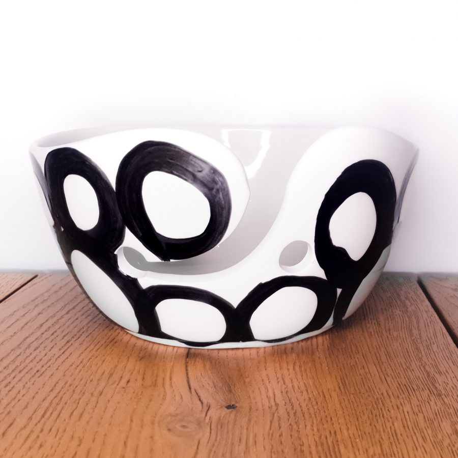 Garenkom Yarn Bowl Zwart Haken Breien Bubbel